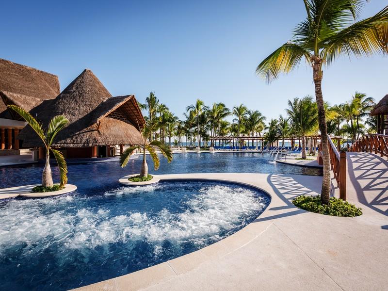 Tour a riviera maya en el hotel barcel maya beach for Hoteles segovia con piscina